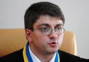 Кірєєв - хабар - МВС - Печерський суд - Кірєєв засудив до п яти років умовно співробітника МВС, який отримав хабар біля входу в міністерство