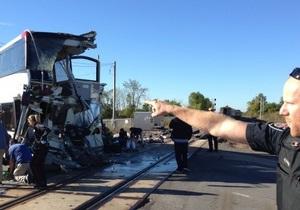 Столкновение поезда с автобусом в Канаде: есть погибшие
