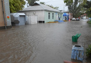 новости Одесской области - наводнение - потоп - Наводнение в Одесской области: вода затопила трассу, угрожая поселку