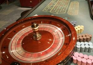 Сыну главы МИД Франции в казино простили долг в 700 тысяч евро