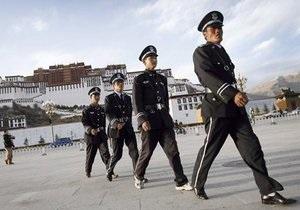 По делу захлебнувшегося на допросе инженера судят шестерых функционеров Компартии Китая