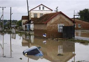 Новости России - Наводнение - Дальний Восток - На охваченном наводнением Дальнем Востоке России появились  лодочные таксисты