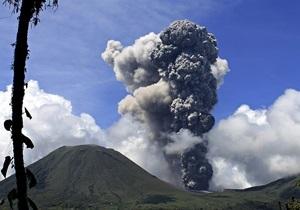 Вулкан - В Индонезии просыпается вулкан Синабунг