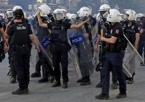 Турция - В Турции третью ночь идут массовые беспорядки