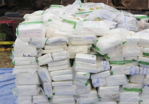 Контрабанда - наркотики - пограничники - таможня - В этом году столичные таможенники изъяли 116 кг и 12 тысяч таблеток наркотиков
