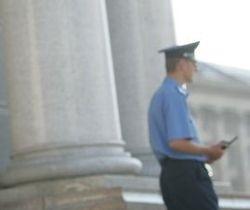 В Киеве милиционер украл у покойника кредитную карточку