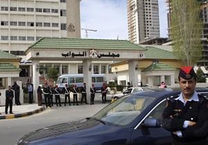 В Иордании депутат выстрелил в коллегу во время заседания в парламенте