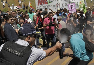 Демонстранты сорвали День независимости в Рио