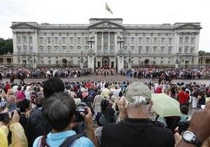 Новости Великобритании: В Лондоне полиция арестовала двух мужчин, проникших в Букингемский дворец