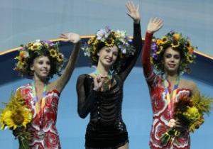Українську гімнастку в Києві нагородили за перемогу російським гімном
