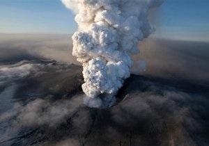 Шлейф Эйяфьятлайокудля. Извержение исландского вулкана уточнило опасность пепла для авиации