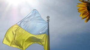 Українські політики у День Незалежності: молебень, хода, заплив