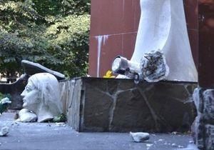 Новини Львівської області - пам ятник - УПА - У Львівській області вандали пошкодили пам ятник воїнам УПА