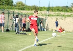 Нападающий киевского Динамо тренируется во Франции