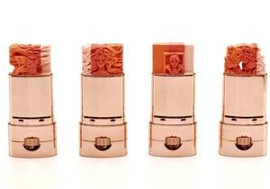 У Гонконгу відбувається виставка міні-скульптур із помади