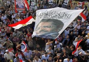 Переворот у Єгипті - Мурсі - У столиці Єгипту відбулися зіткнення прихильників і противників скинутого Мурсі