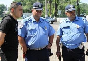 Активісти Дорожнього контролю проводять акцію в Донецькій області, блокуючи пости ДАІ