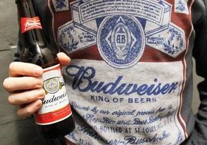 Крупнейший в мире производитель пива терпит спад продаж