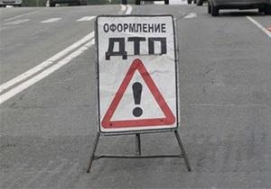 Новини Криму - Мікроавтобус і Volkswagen зіткнулися в Криму: постраждали дев ять осіб