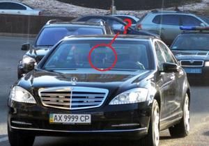 Журналісти зацікавилися таємничим кортежем з мигалками, який запримітили у Києві. Розслідування привело до Курченка