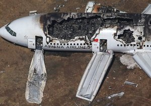 Авіакатастроф у Сан-Франциско - Катастрофа Boeing 777: одну з жертв могла задавити машина швидкої допомоги
