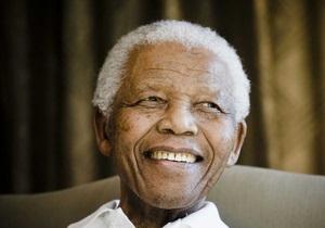 Здоров я Нельсона Мандели - Влада ПАР: Стан Мандели критичний, але стабільний