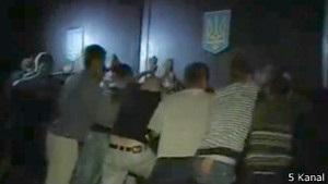 Під будинком Врадіївської міліції триває стихійний мітинг