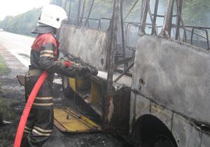 У Полтавській області під час руху згорів дотла пасажирський автобус
