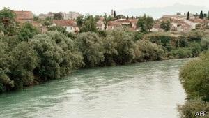 У Чорногорії впав в ущелину автобус, більше 10 загиблих - ЗМІ