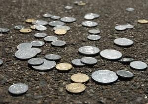 Гривня дала мінімальну відсіч засиллю долара і євро на міжбанку