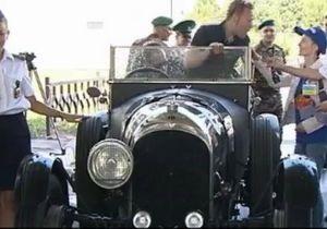 Трансконтинентальний пробіг ретро-автомобілів в їхав на територію України