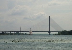 У Києві у вихідні буде обмежено рух транспорту на Південному мосту