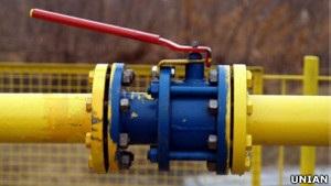 Азаров у Франції: Україні дешевше купувати російський газ у Європі