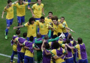 Бразилія впевнено перемагає Японію
