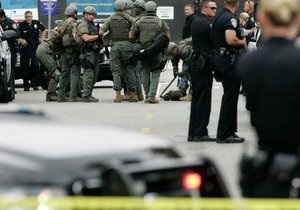 У Каліфорнії невідомий влаштував стрілянину поблизу місця, де виступає Обама