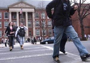 США - Бостон - школа - охорона - поліція