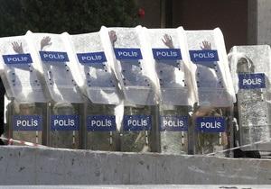 Під час антиурядових акцій у Туреччині поранено більше 500 поліцейських
