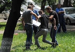 Новини Києва - стрілянина -  Стрілянина біля ЗАГСу виявилася операцією із затримання злочинців