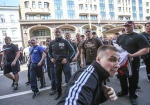 DW: Кому вигідно радикалізувати українське суспільство