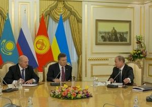 Без депутатів і громадськості: представник Януковича поскаржився на те, що Президент самотужки захищає національні інтереси