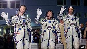 На МКС доставили трьох космонатів за новою технологією