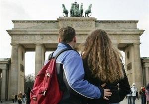 DW: Пострадянські мігранти в Німеччині. За дипломом, грошима або новим життям