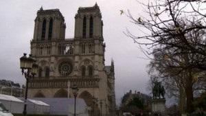 Французький письменник застрелився в соборі Нотр-Дам-де-Парі