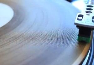 Новини США - винаходи: Винахідник із США записала музику на дерев яні платівки