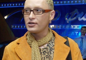 Співака Шуру виселили з квартири за позовом його матері
