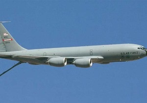 Крило літака ВПС США, що вибухнув у Киргизстані, впало у двір житлового будинку - ЗМІ