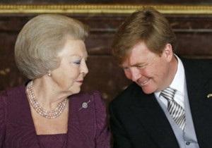 Королева Нідерландів передала сину престол