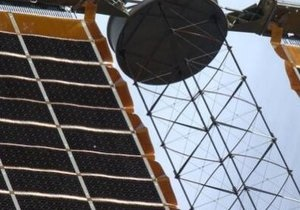 Новини науки - МКС - новини космосу: В одній із батарей МКС виявили пробоїну