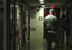 Більше половини в'язнів Гуантанамо приєдналися до голодування