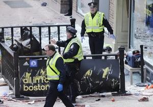 Рятувальні служби Бостона прийняли побутову пожежу в бібліотеці за теракт